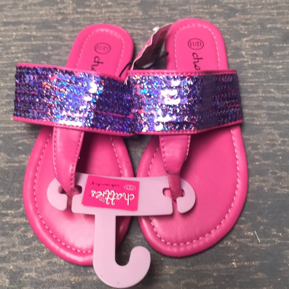 CHATTIES SIZE SMALL 5//6 NEW WITH TAGS FLIP FLOPS BLACK AND PURPLE